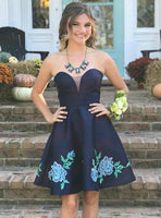 Navy Blue Strapless Floral Appliques Satin Homecoming Dresses cg1311