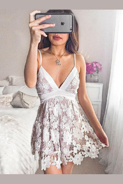 A-Line A-Line Spaghetti Straps Short Lace Homecoming Dress With Bowknot cg141