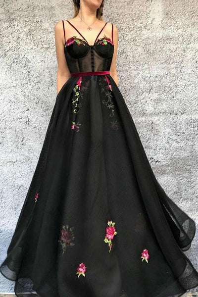 Black V Neck Long Prom Dress with Appliques    cg18777