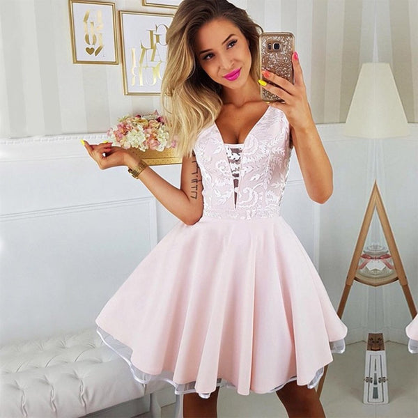 A-line Deep V-neck Sexy Appliques Short Junior Homecoming Dresses cg299