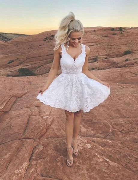 White Short Homecoming Dresses V Neck Appliques Cocktail Dresses cg517