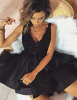 V Neck Black Short Homecoming Dresses With Appliques Beading  cg523