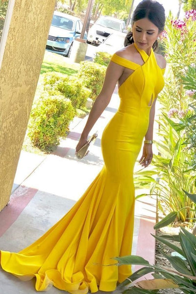 Mermaid Halter Backless Sweep Train Yellow Satin Prom Dress with Keyhole cg5425