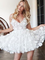 A-Line Deep V-Neck Spaghetti Straps Tulle Homecoming Dresses With Appliques cg575