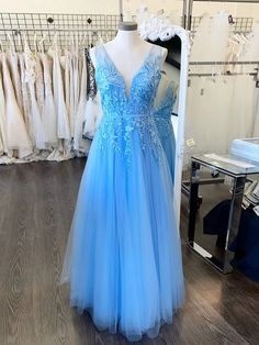 A Line V Neck Light Blue Lace Prom Dresses, V Neck Sky Blue Lace Formal Evening Dresses cg5859