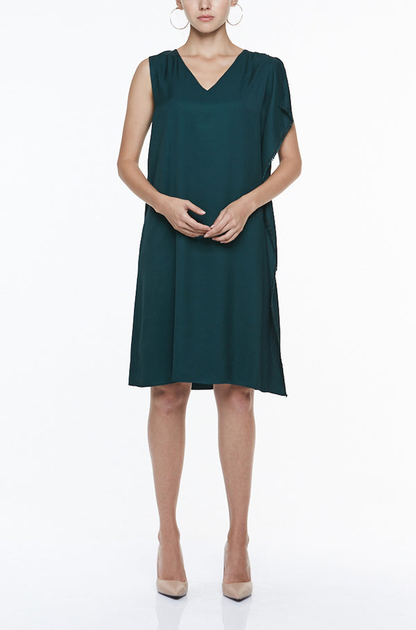 ASYMMETRIC SLEEVED DRESS