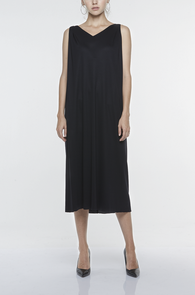 V-NECK SLIP-ON LONG DRESS