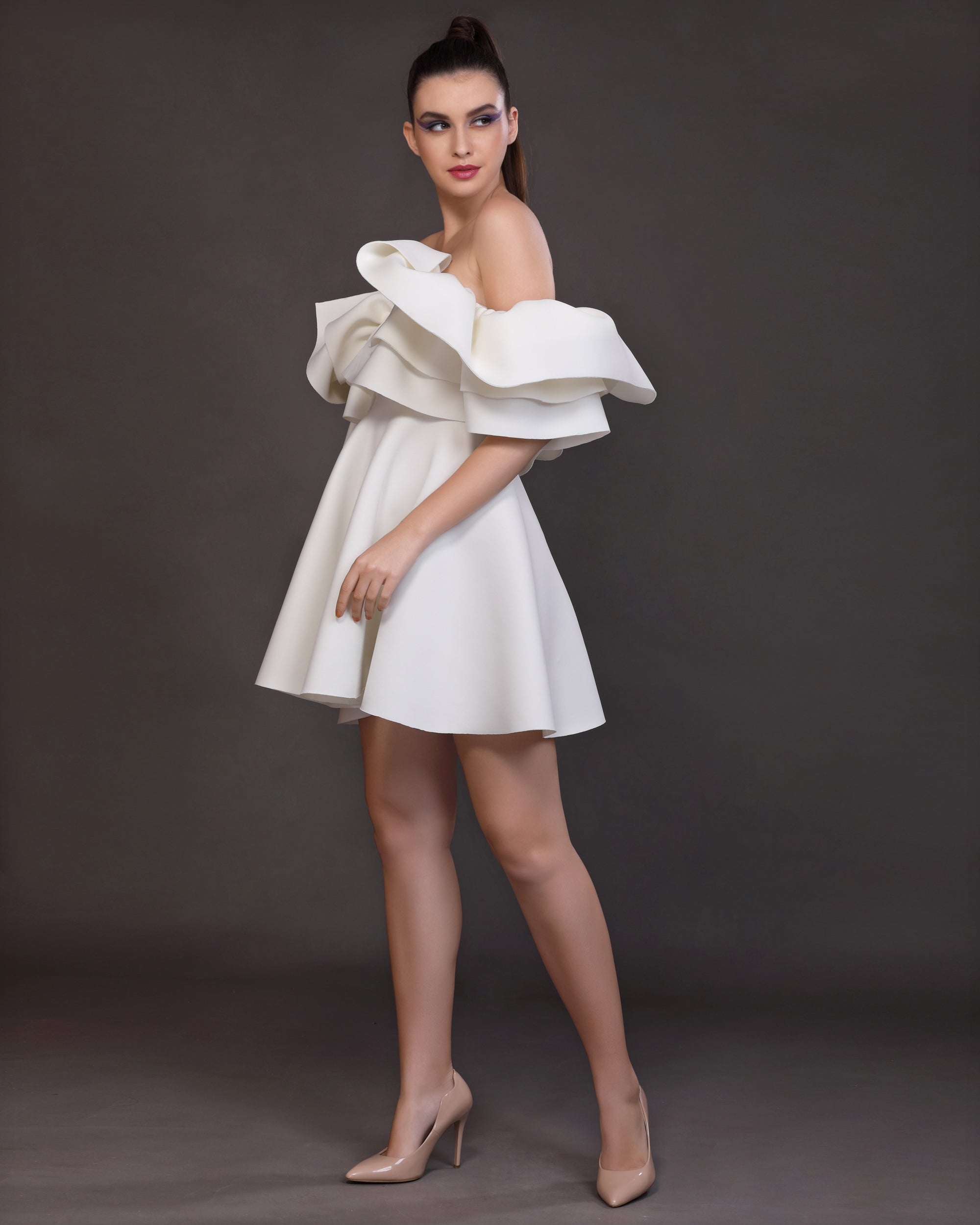 Essence- Exaggerated shoulder frills