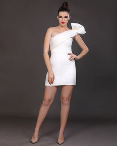 Essence- Structured one-shoulder
