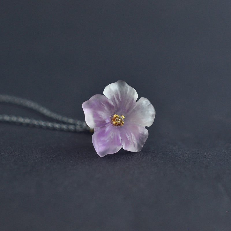 Hand craved amethyst flower pendant with diamonds in 18K gold by Ewa Z. Sleziona Jewellery