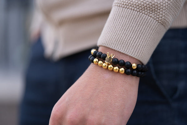 Men's accessories: 3 tips for wearing bracelets