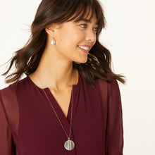 Load image into Gallery viewer, Mingle Disc Necklace