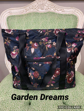 Load image into Gallery viewer, Vera Bradley Packable Tote