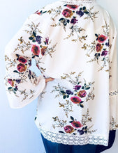 Load image into Gallery viewer, White Floral Kimono