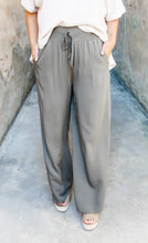 Load image into Gallery viewer, Olive wide leg pants