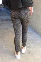 Load image into Gallery viewer, Snakeskin Jeans