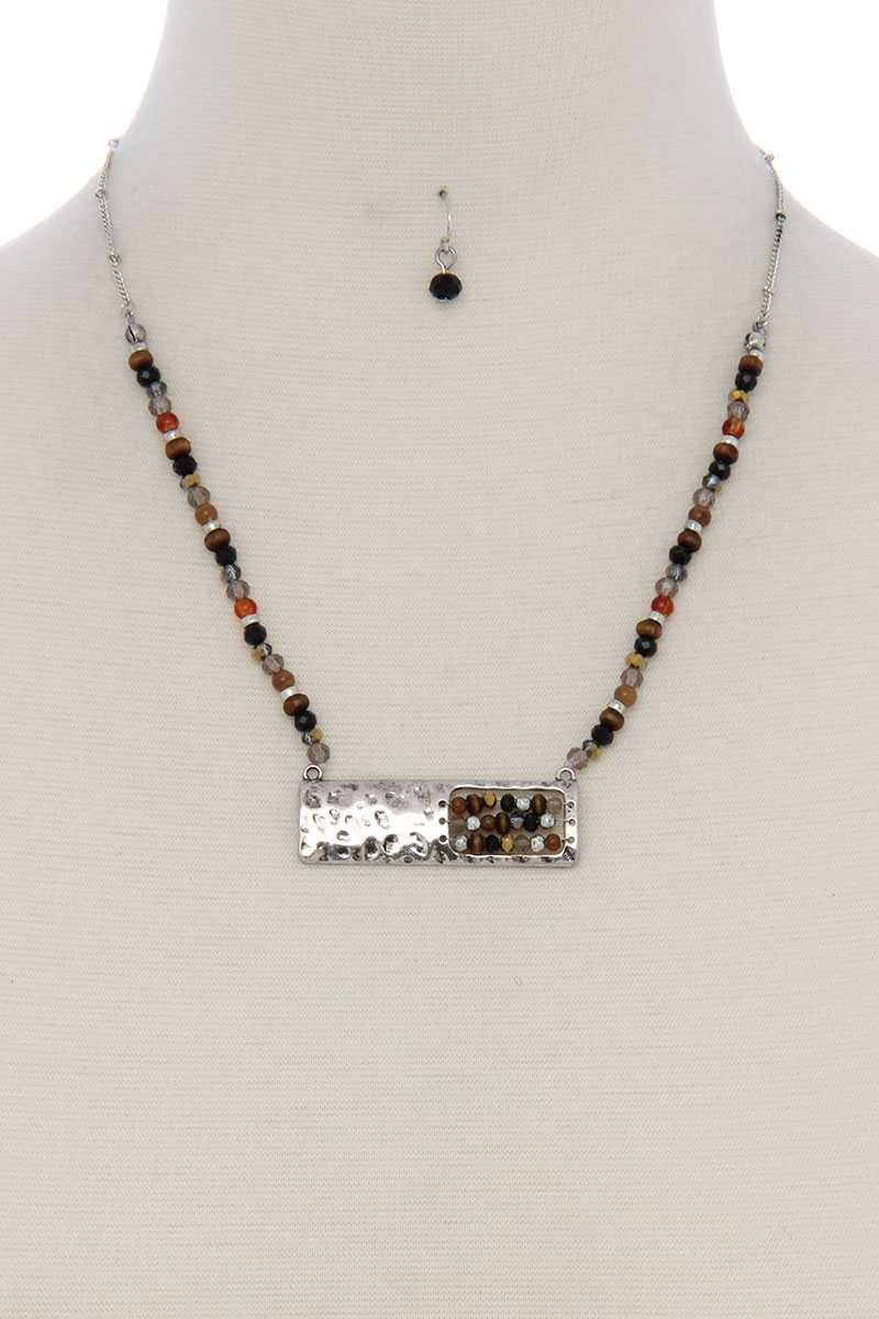 Patina rectangular shape open beaded pendant short necklace