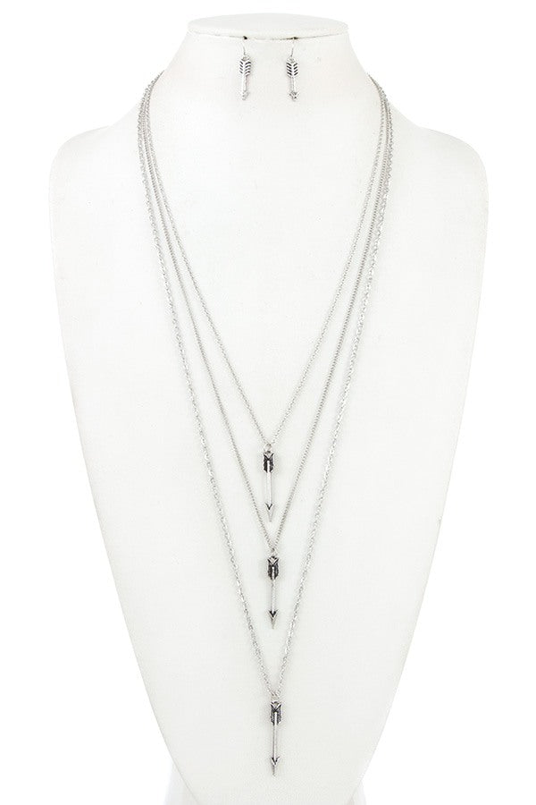 Multi chain arrow pendant necklace set