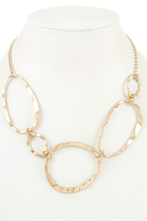 Hammered link collar necklace