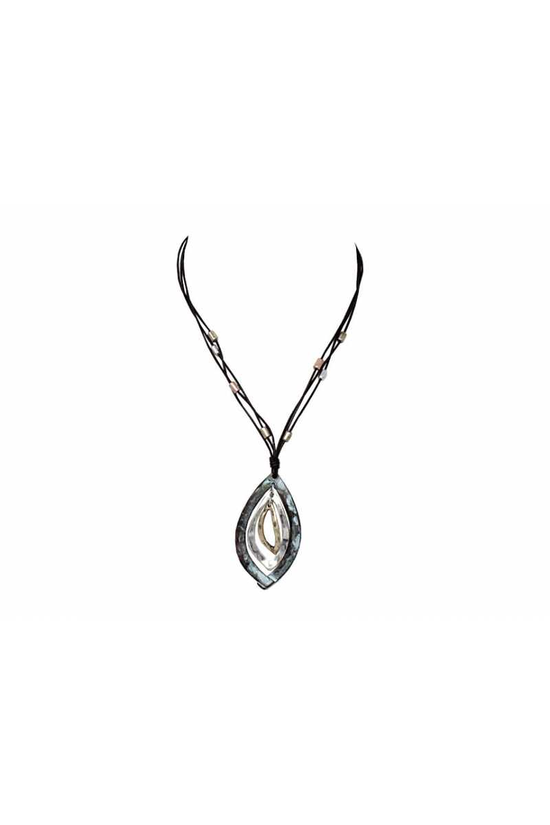 Pointed oval pendant necklace
