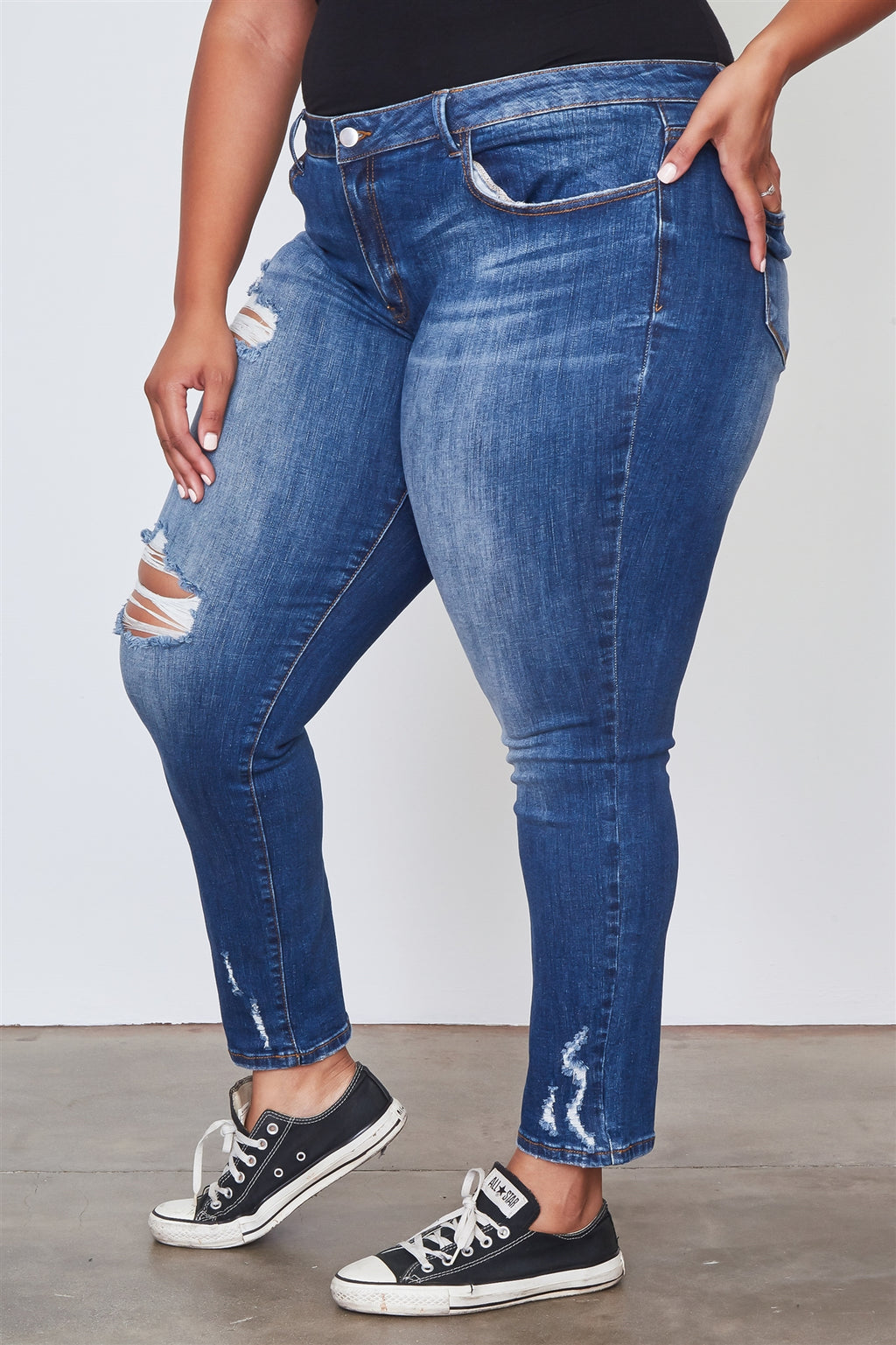 Ladies fashion plus size medium distressed denim skinny jeans