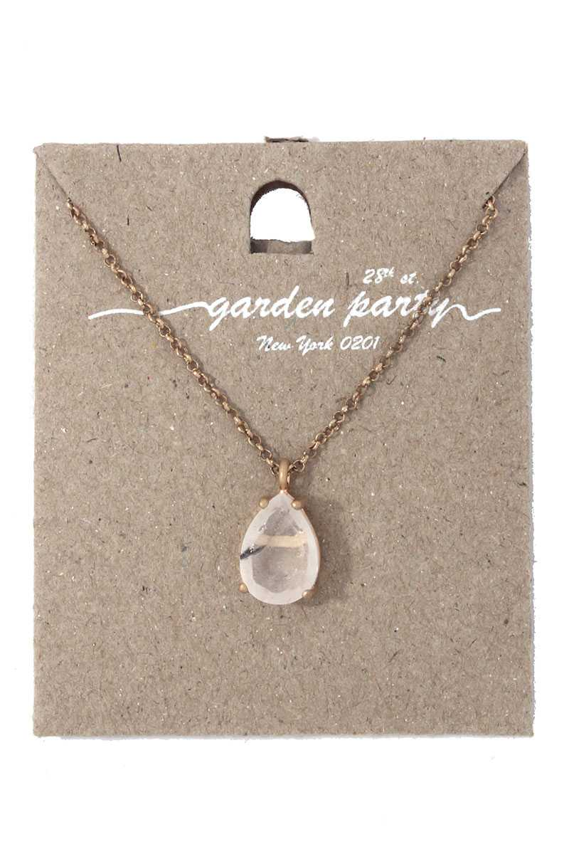 Teardrop shape pendant necklace
