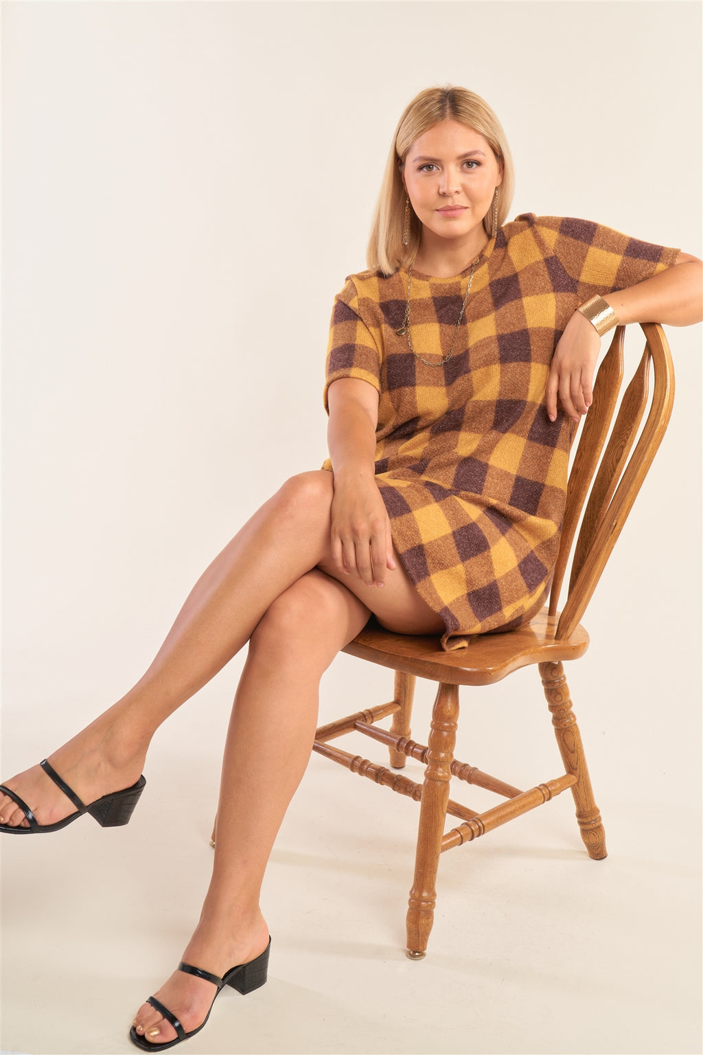 Plus Size Checkered Round Neck Short Sleeve Sweater Mini Dress