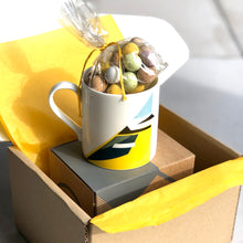 Load image into Gallery viewer, Mug with Easter Eggs Gift Box