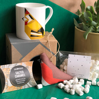 Gift Box - Hot Chocolate Mug with Bird Tree Decoration