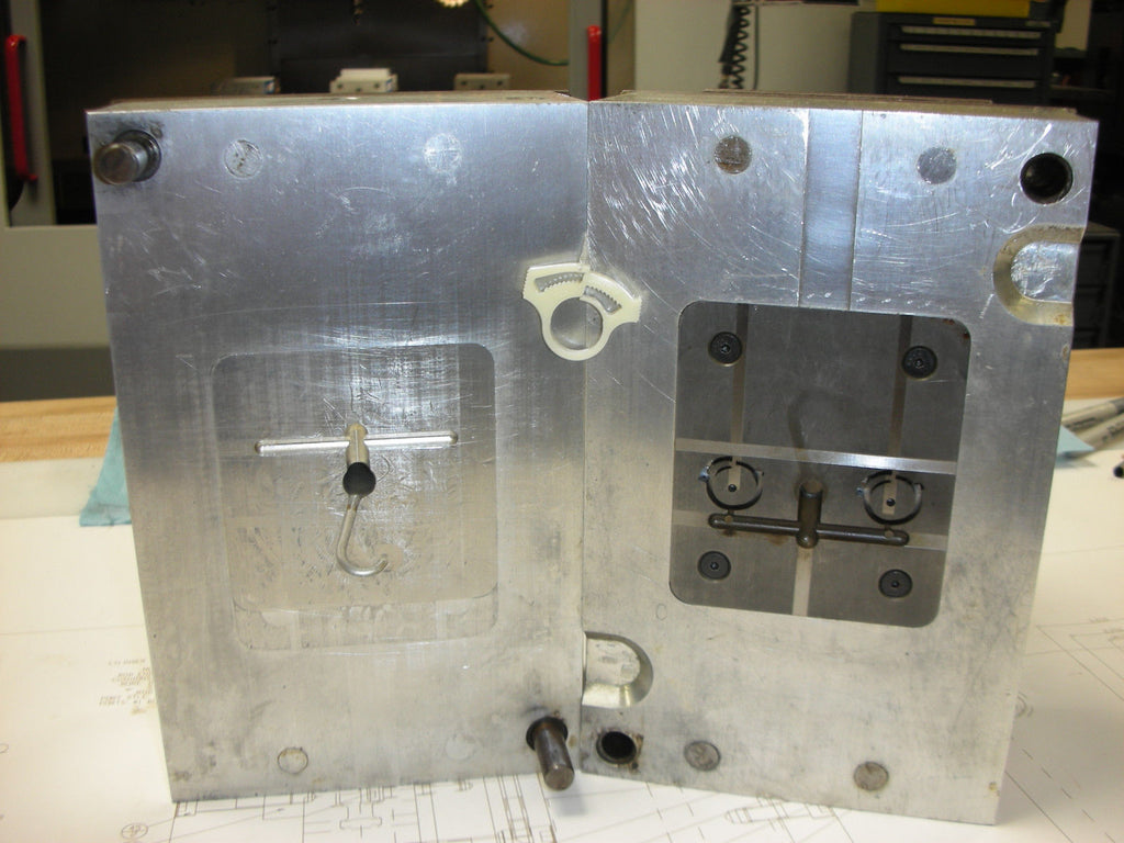 Dorfmueller Enterpises - Master Unit Die (MUD) Injection Mold
