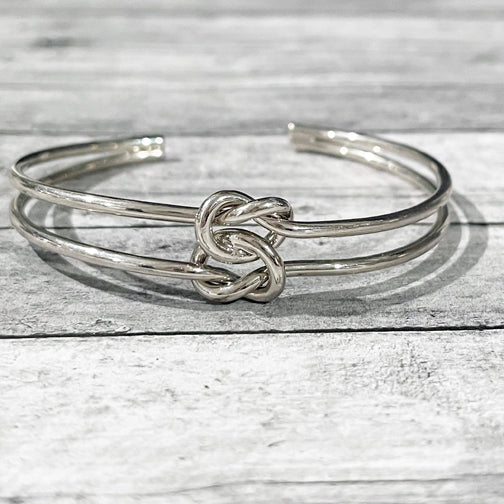 Love Knot Bracelet | Love Knot Bangle Bracelet | Megan Fenno | FENNO FASHION