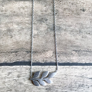 Small Silver Vine Necklace | Megan Fenno | FENNO FASHION