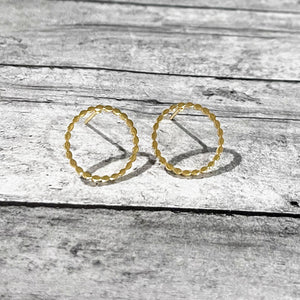 Gold Dainty Circle Earrings | Circle Earrings | Dainty Studs | FENNO FASHION | Megan Fenno