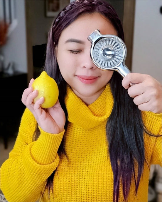 Donnah Enjoys Squeezing Lemons with Zulay Stainless Steel Squeezer