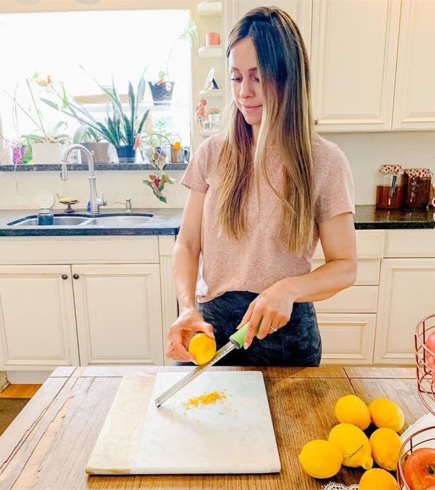 Crystal Ziganti Making the Perfect Lemon Bars with Zulay Lemon Zester!