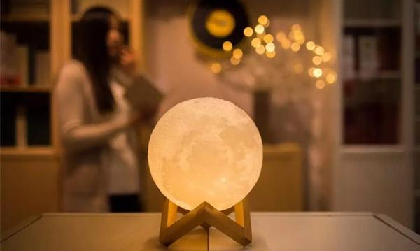 Best Moon Lamp 2018 - Buyer's Guide and Review [NEW update include video]