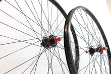 "Load image into Gallery viewer, Wheelset - Technique Hub & Sun Rim (26"") Colored Spokes"