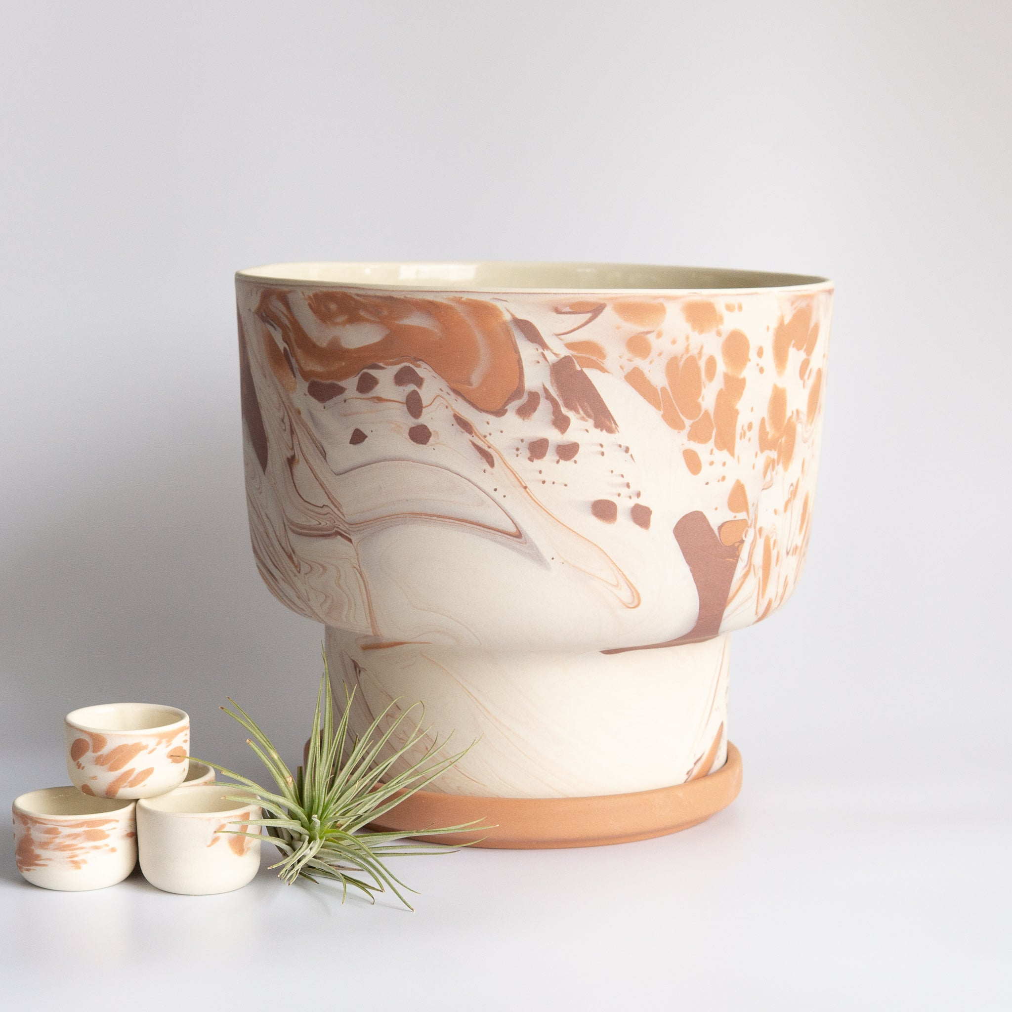 Peaches: Extra Large Terra and White Marbled Planter