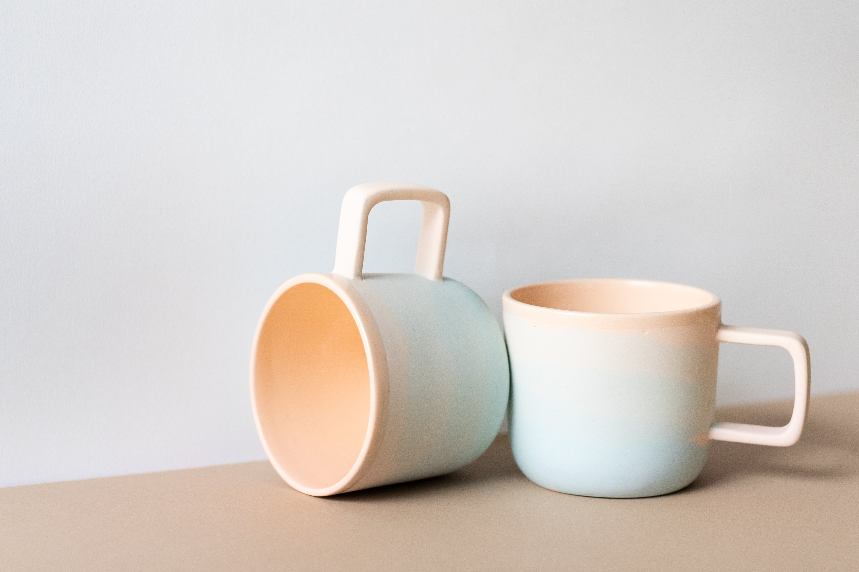 Peaches Color Gradient Ceramic Mugs