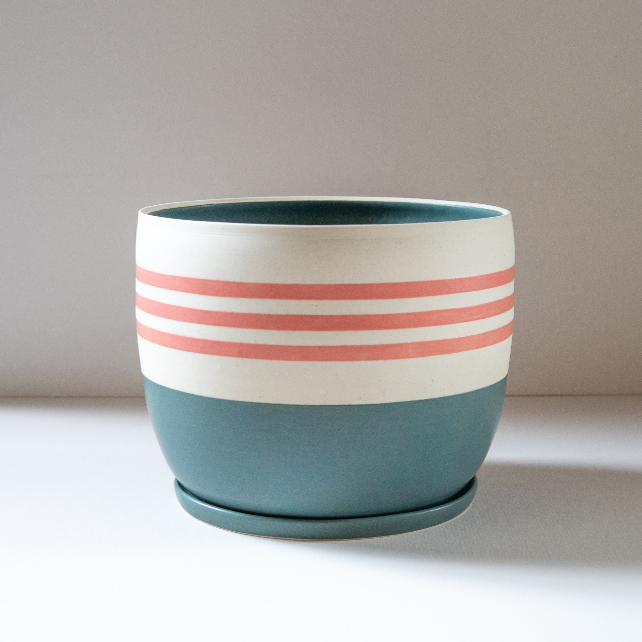 Mantel: Striped Planter with Dish