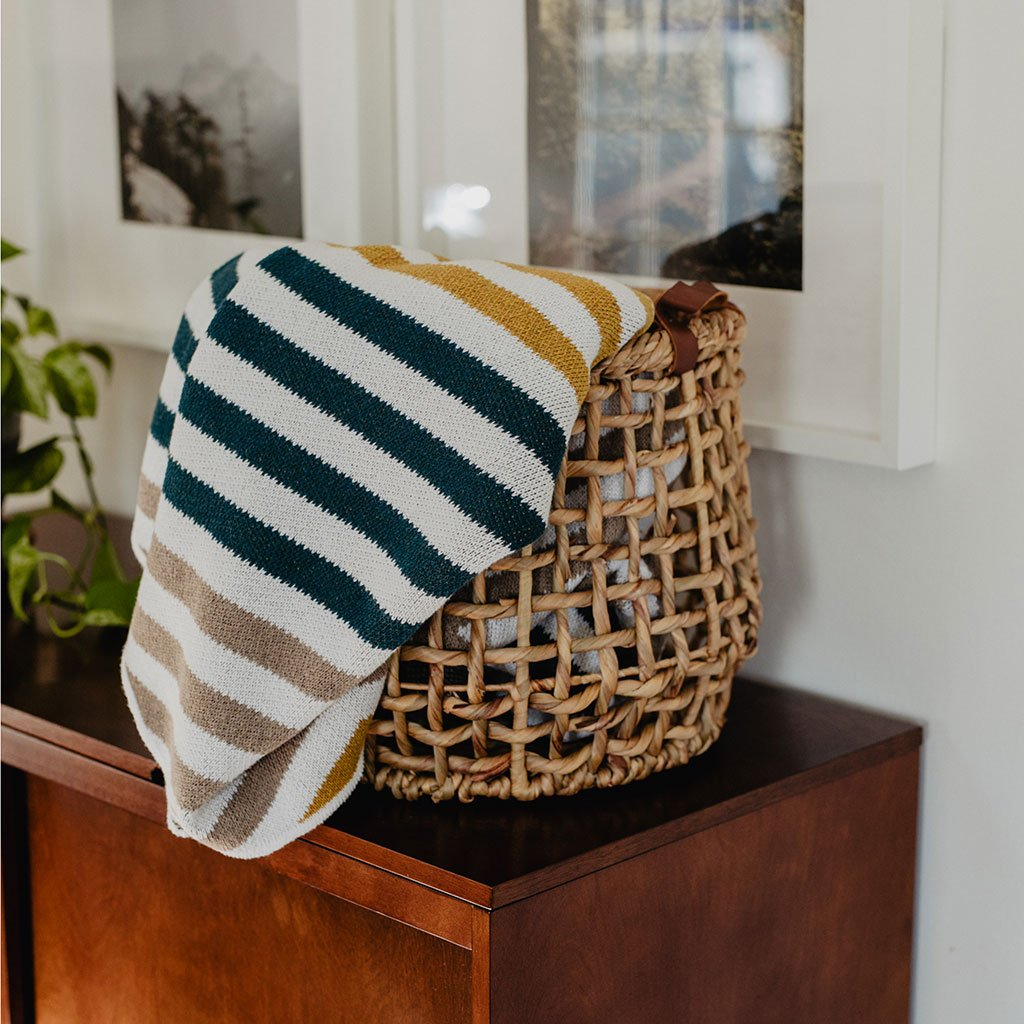 Seek and Swoon: The Portland Throw
