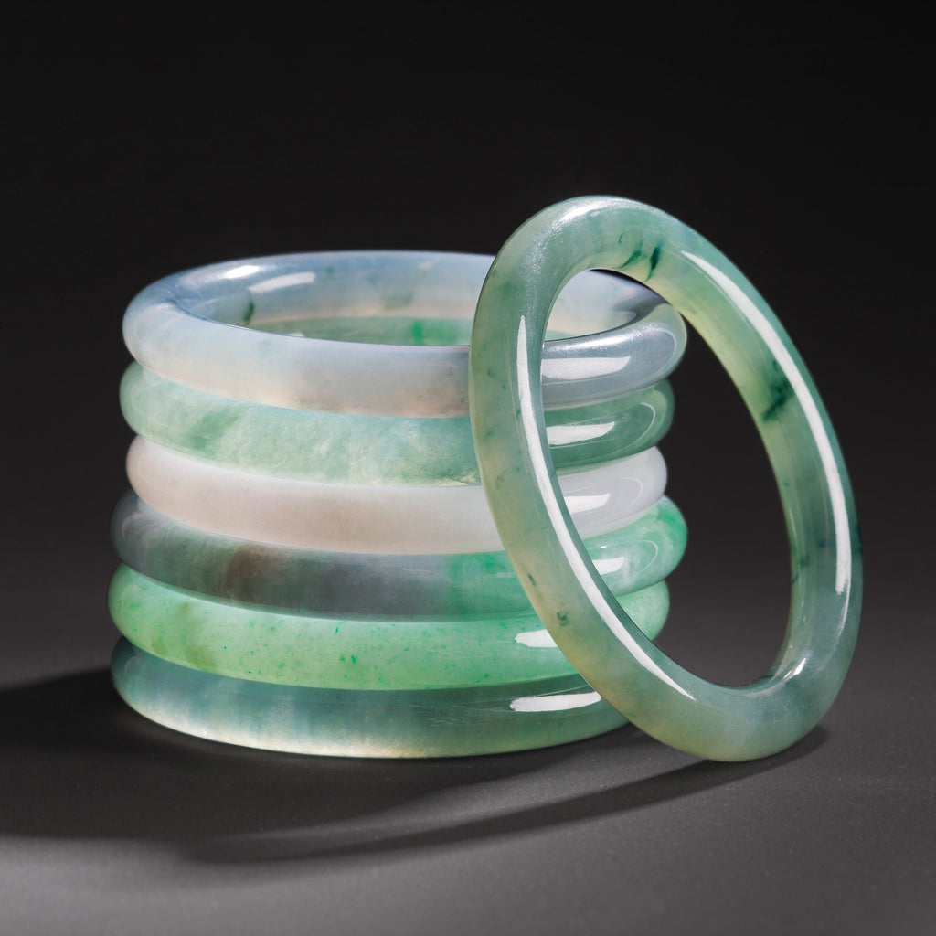 Snow White Jade Bangle