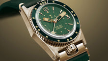 Load image into Gallery viewer, 1964 VINTAGE SPIRIT BRONZE GREEN DIAL