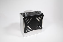 Load image into Gallery viewer, MeLe 900 Series Rally Spec Battery Mount