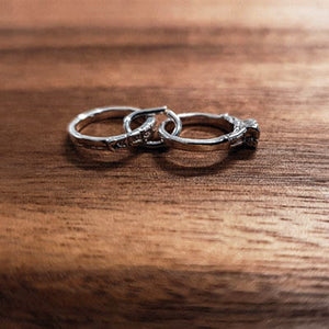 Silver Wedding band and engagement ring set charm
