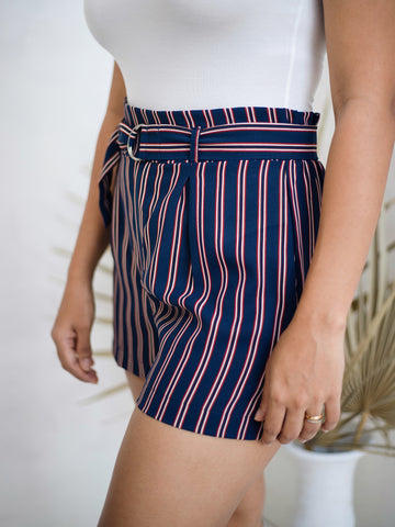 Front Tie Up Stripe Short