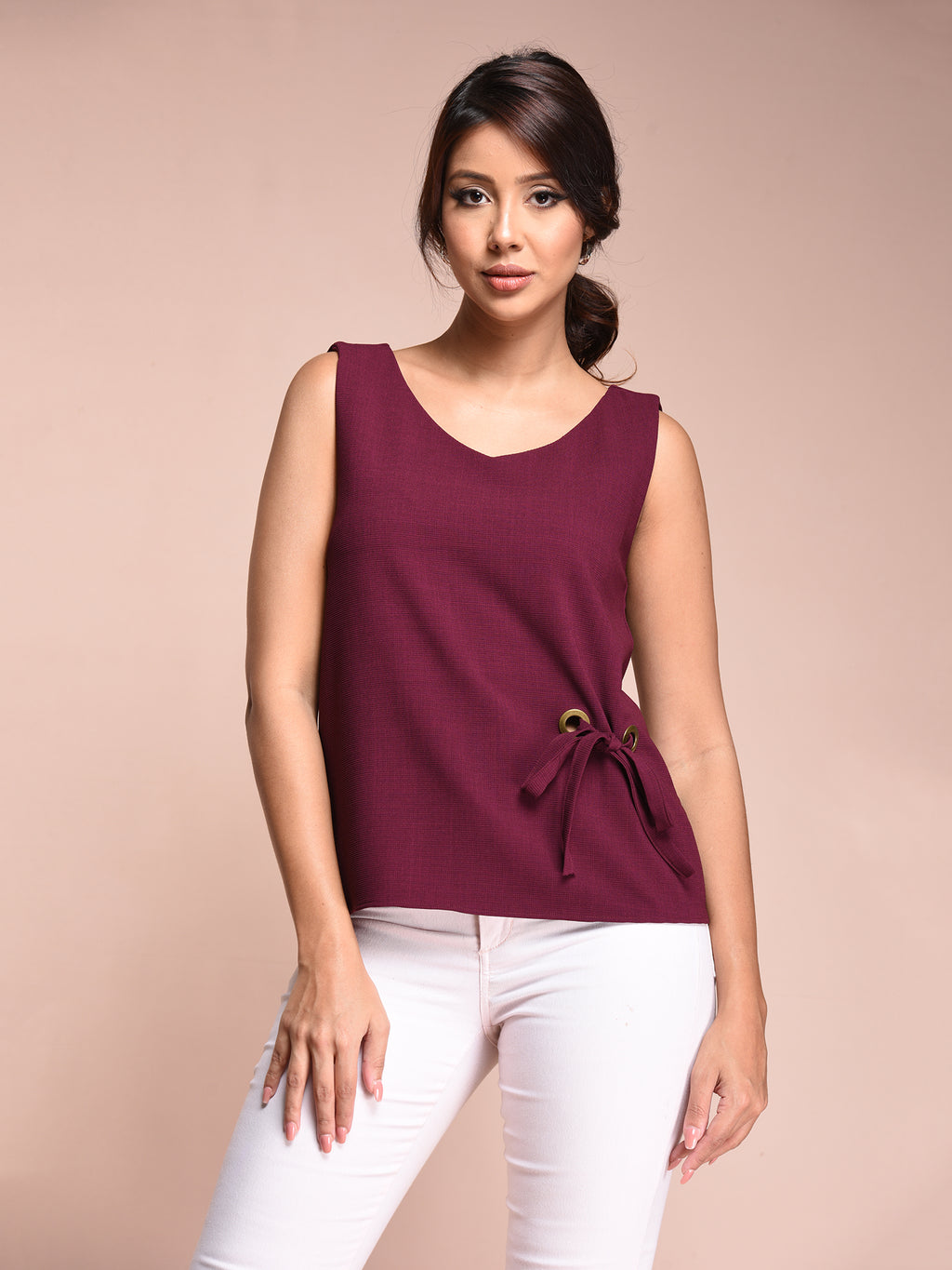 'V' NECK BASIC SLEEVLES TOP
