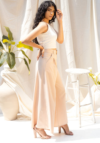 Pleat detailed flared pants