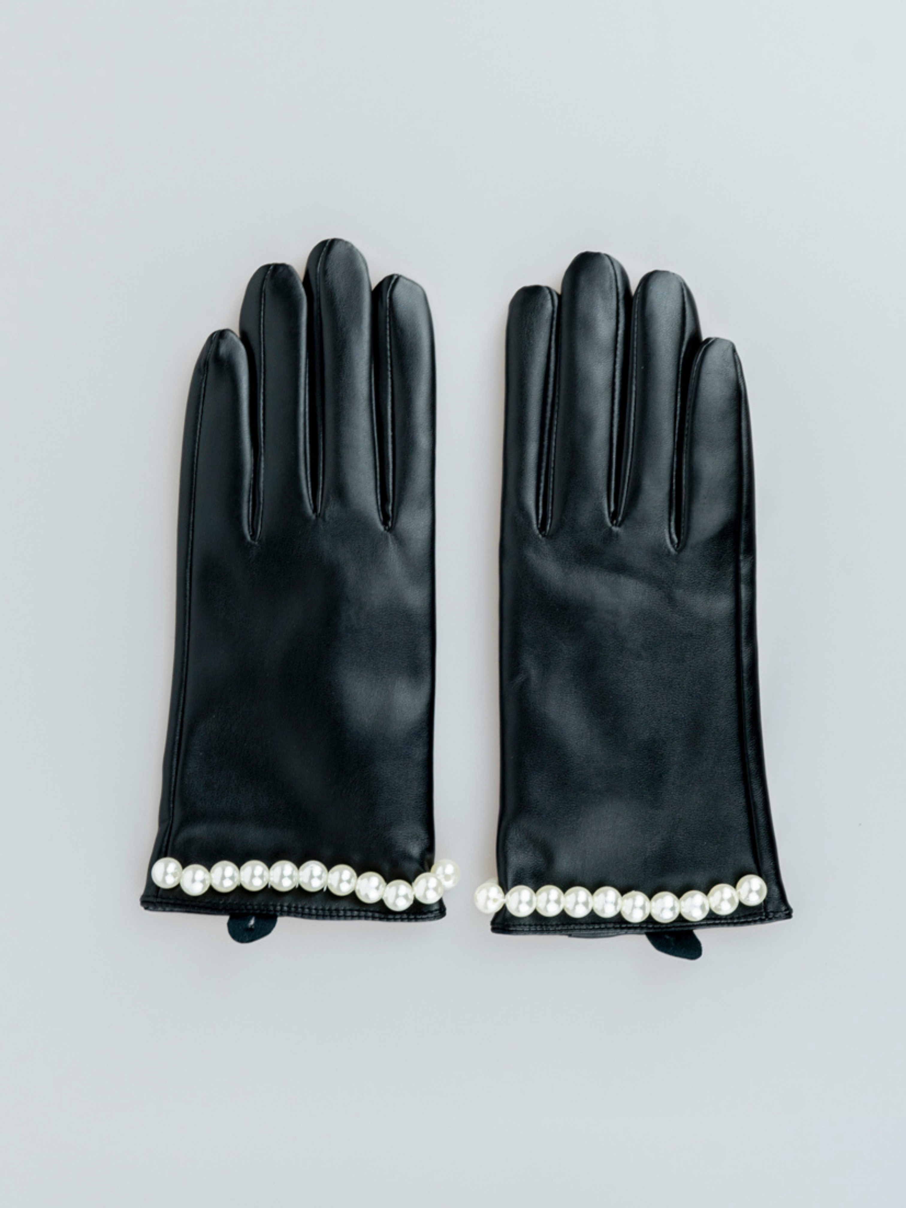 BLACK GLOVES WITH PEARLS - svnx