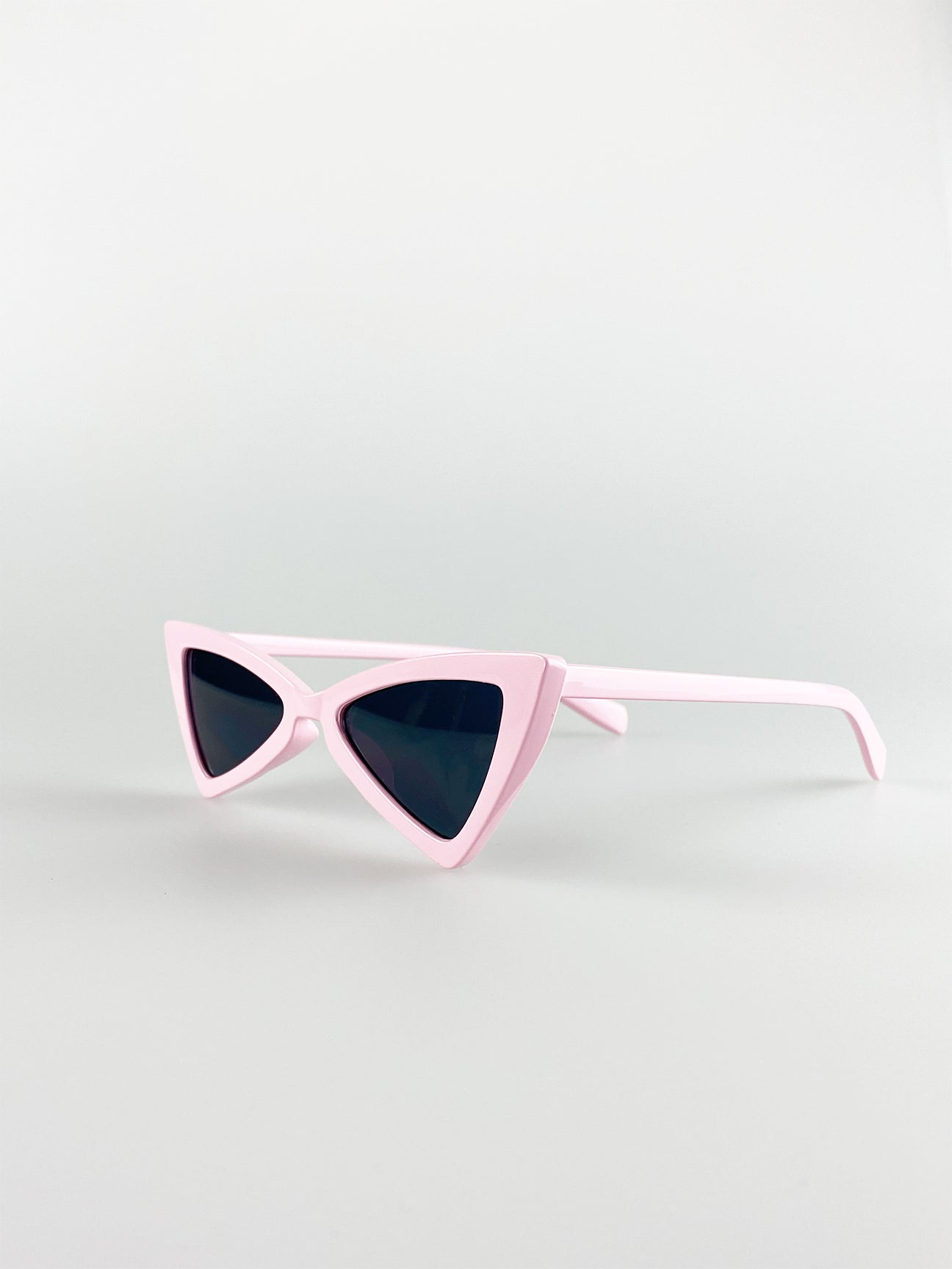 2 Pack Angled Cateye Sunglasses In Pink And Black